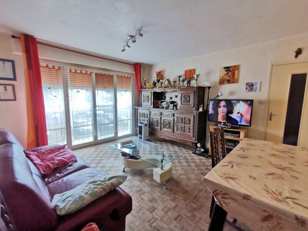 Appartement à vendre 5 87m2 à Mont-de-Marsan vignette-2