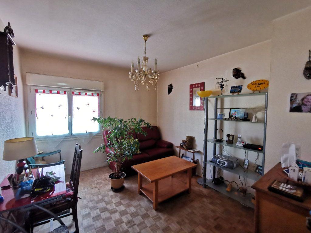 Appartement à vendre 5 87m2 à Mont-de-Marsan vignette-3