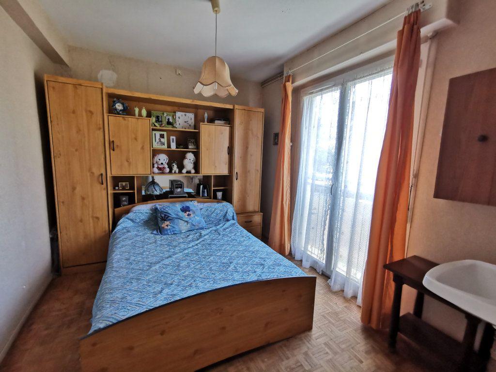 Appartement à vendre 5 87m2 à Mont-de-Marsan vignette-5