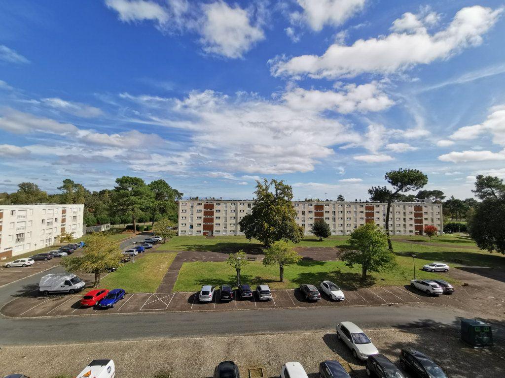Appartement à vendre 4 74m2 à Mont-de-Marsan vignette-2