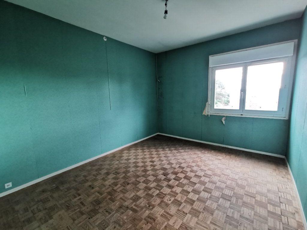 Appartement à vendre 4 74m2 à Mont-de-Marsan vignette-4