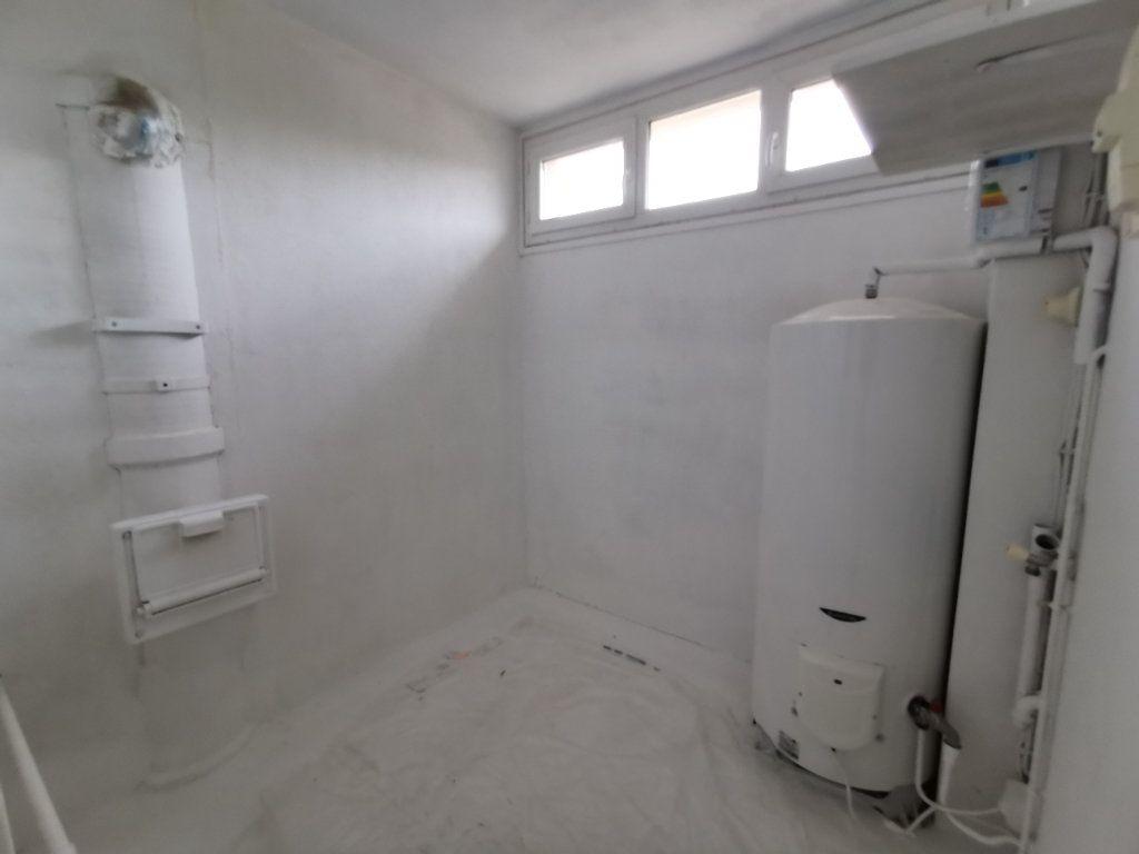 Appartement à vendre 4 74m2 à Mont-de-Marsan vignette-7