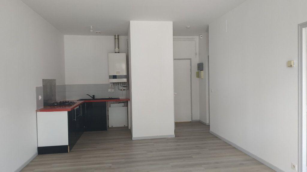 Appartement à louer 3 60.69m2 à Morcenx vignette-1