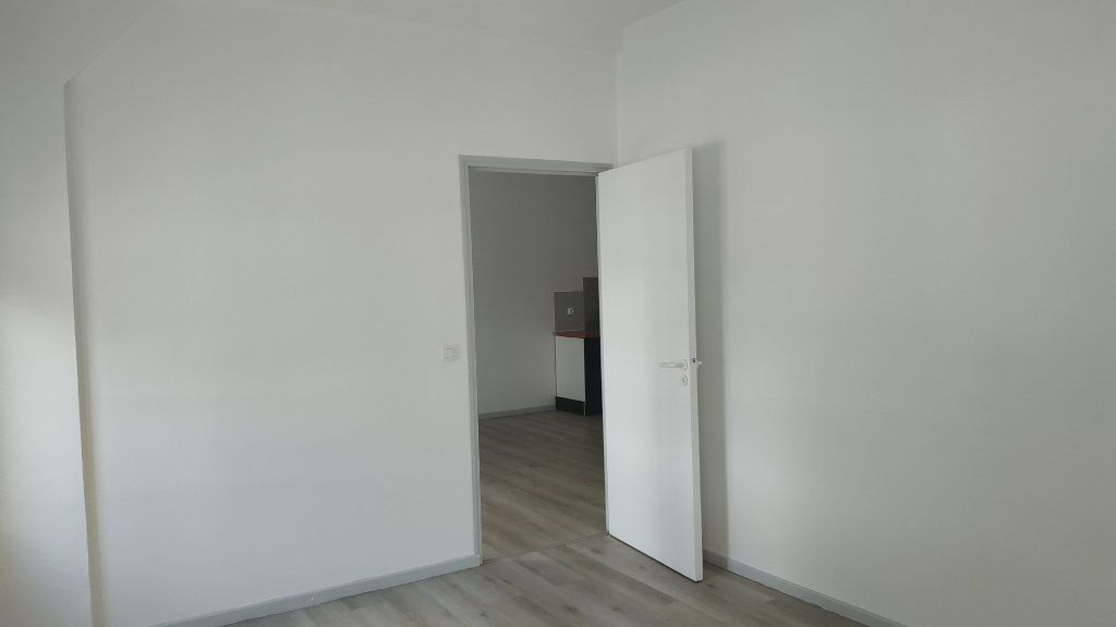 Appartement à louer 3 60.69m2 à Morcenx vignette-3