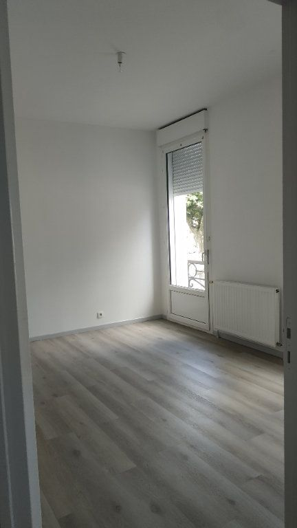 Appartement à louer 3 60.69m2 à Morcenx vignette-4