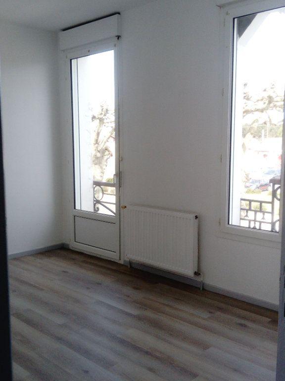Appartement à louer 3 60.69m2 à Morcenx vignette-5