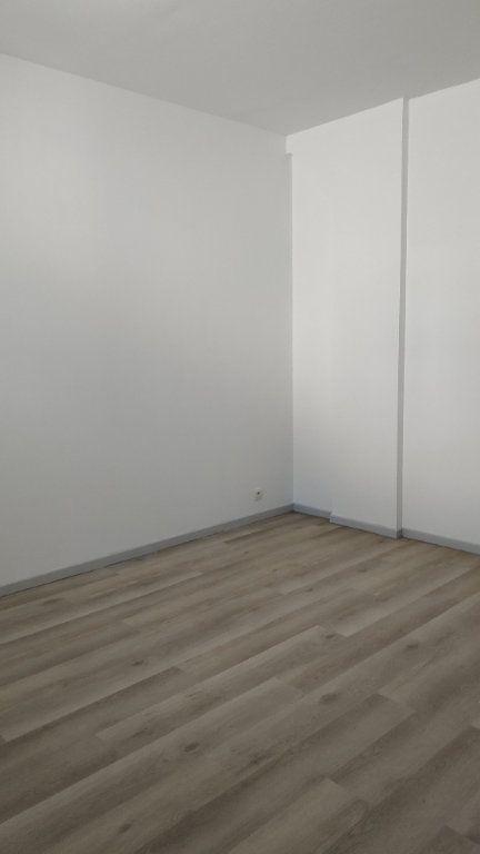Appartement à louer 3 60.69m2 à Morcenx vignette-6