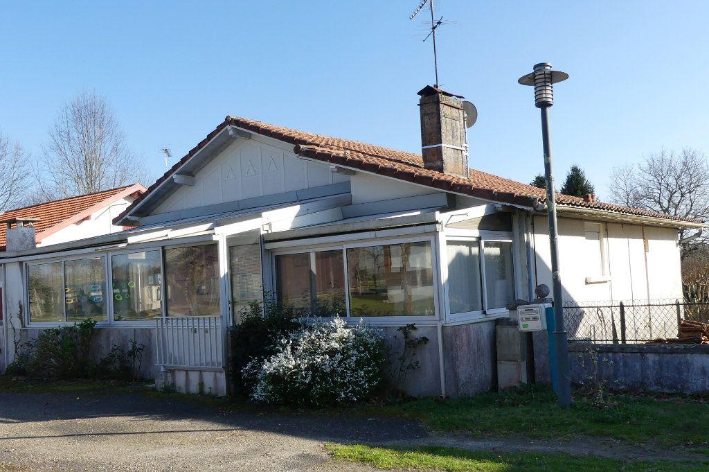 Maison à vendre 4 107m2 à Lesgor vignette-1