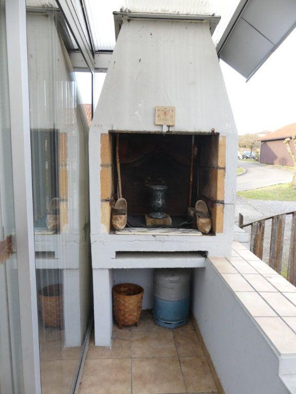 Maison à vendre 4 107m2 à Lesgor vignette-5