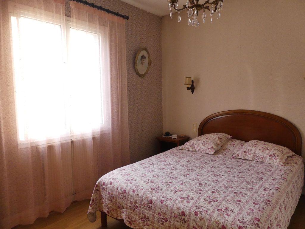 Maison à vendre 4 107m2 à Lesgor vignette-7