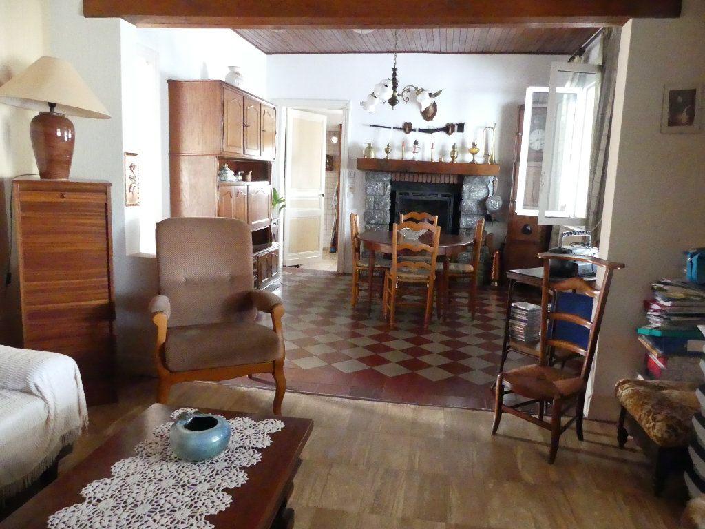 Maison à vendre 4 107m2 à Lesgor vignette-12