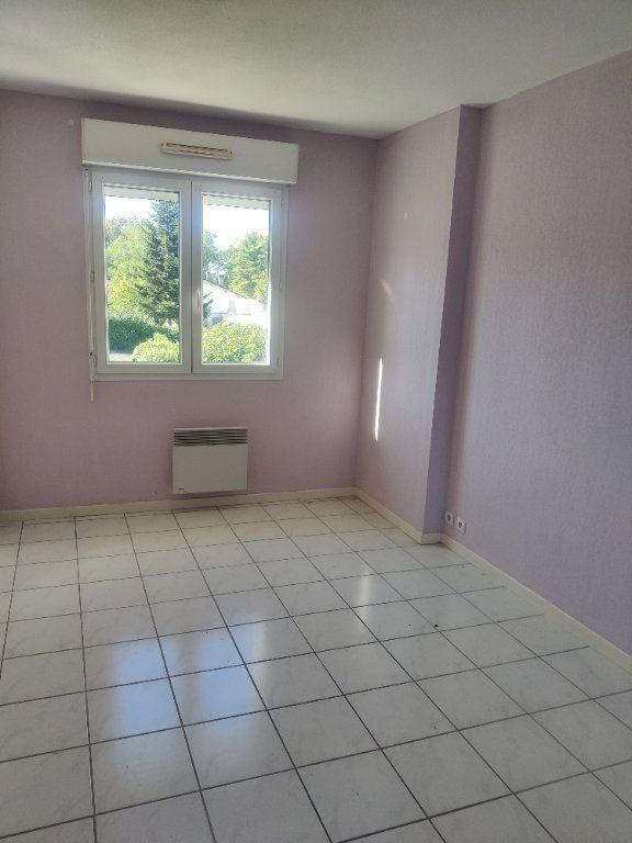Appartement à louer 3 64m2 à Mont-de-Marsan vignette-2