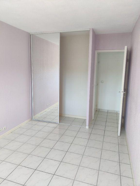 Appartement à louer 3 64m2 à Mont-de-Marsan vignette-3