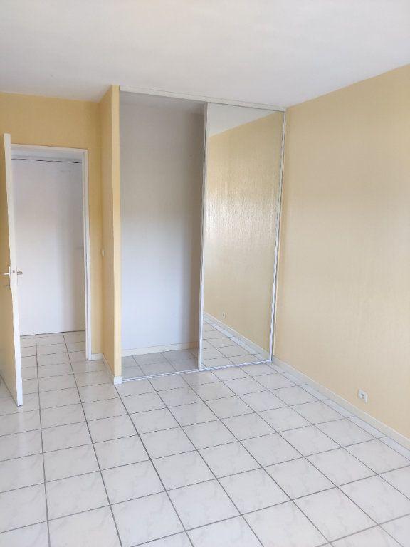 Appartement à louer 3 64m2 à Mont-de-Marsan vignette-6