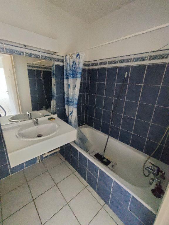 Appartement à louer 3 64m2 à Mont-de-Marsan vignette-7
