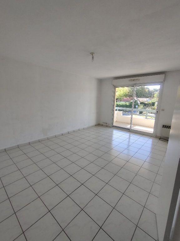 Appartement à louer 3 64m2 à Mont-de-Marsan vignette-8
