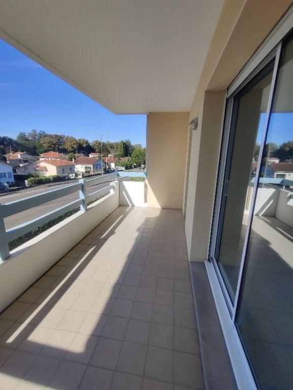 Appartement à louer 3 64m2 à Mont-de-Marsan vignette-13