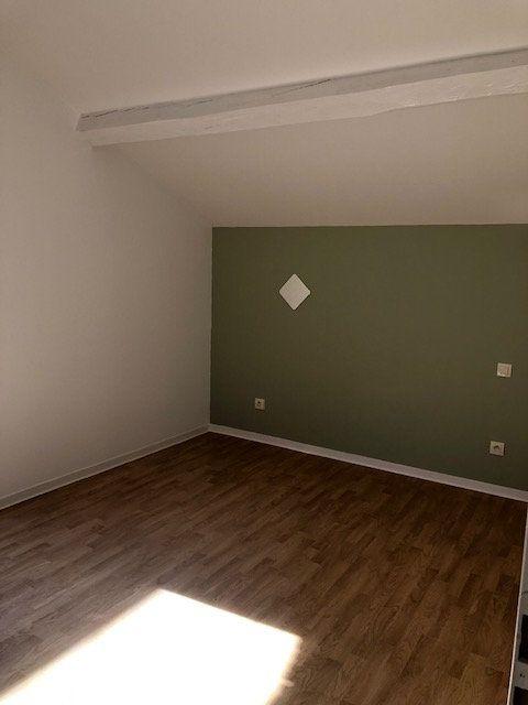 Appartement à louer 2 47.5m2 à Mont-de-Marsan vignette-3