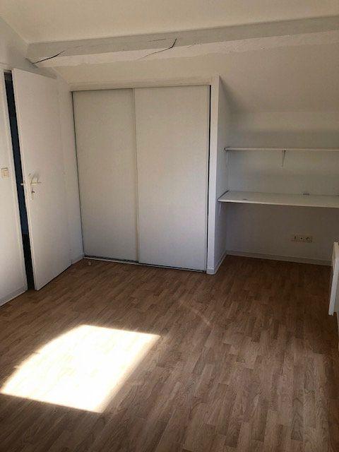 Appartement à louer 2 47.5m2 à Mont-de-Marsan vignette-4