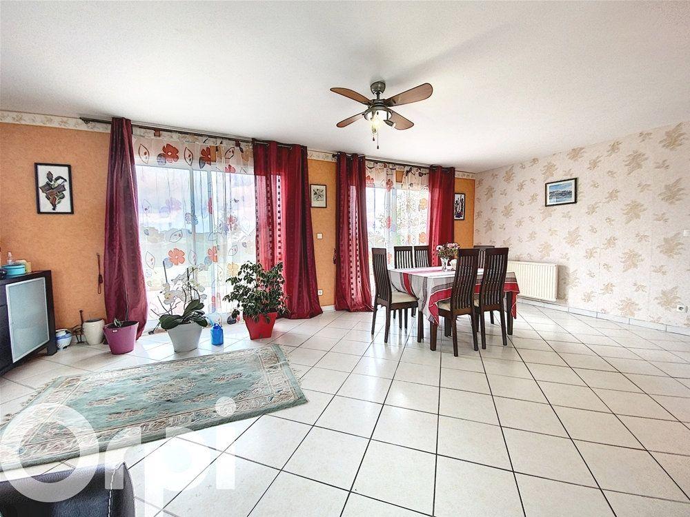 Maison à vendre 8 168m2 à Mézières-en-Vexin vignette-3