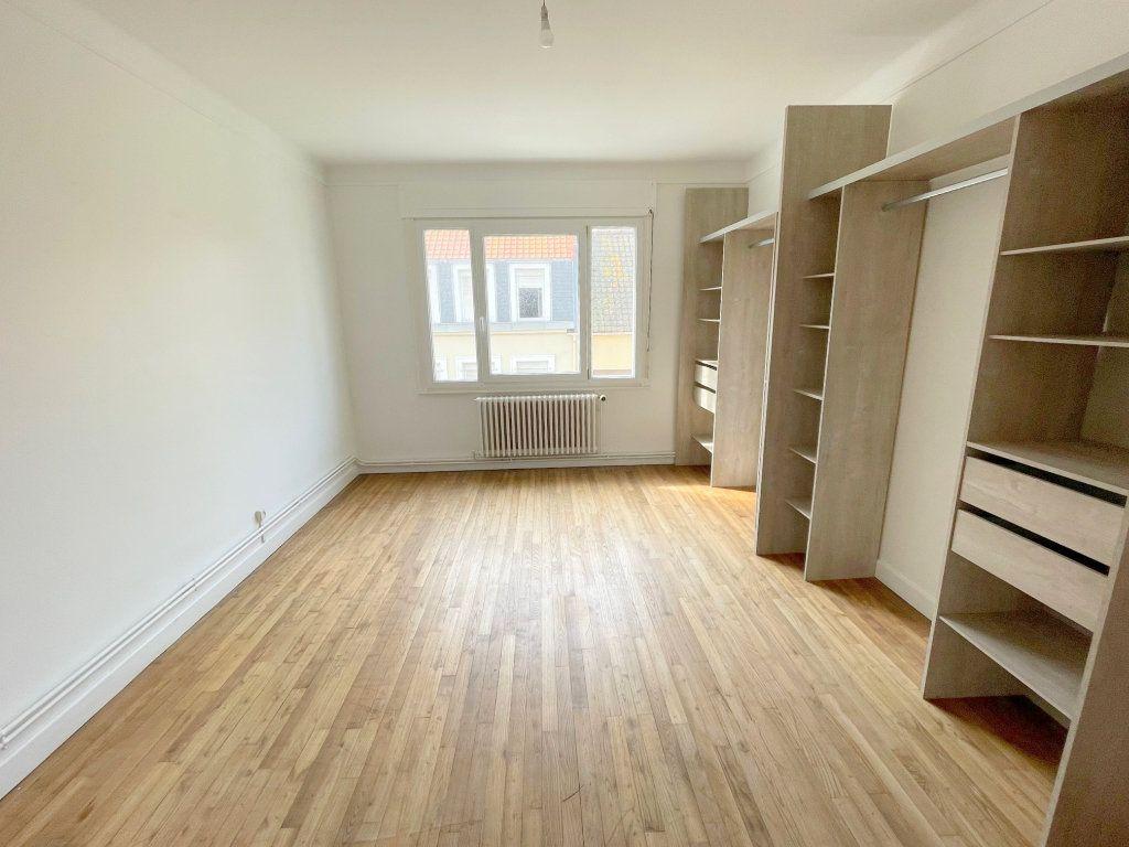 Appartement à louer 3 96m2 à Boulogne-sur-Mer vignette-3