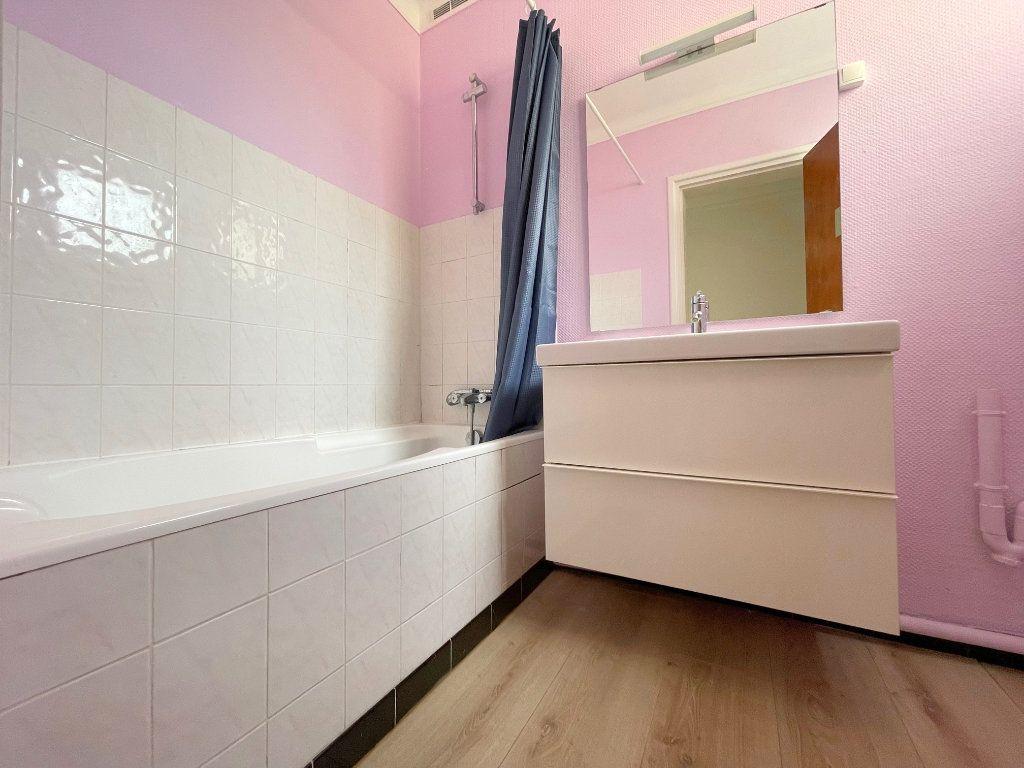 Appartement à louer 3 96m2 à Boulogne-sur-Mer vignette-5