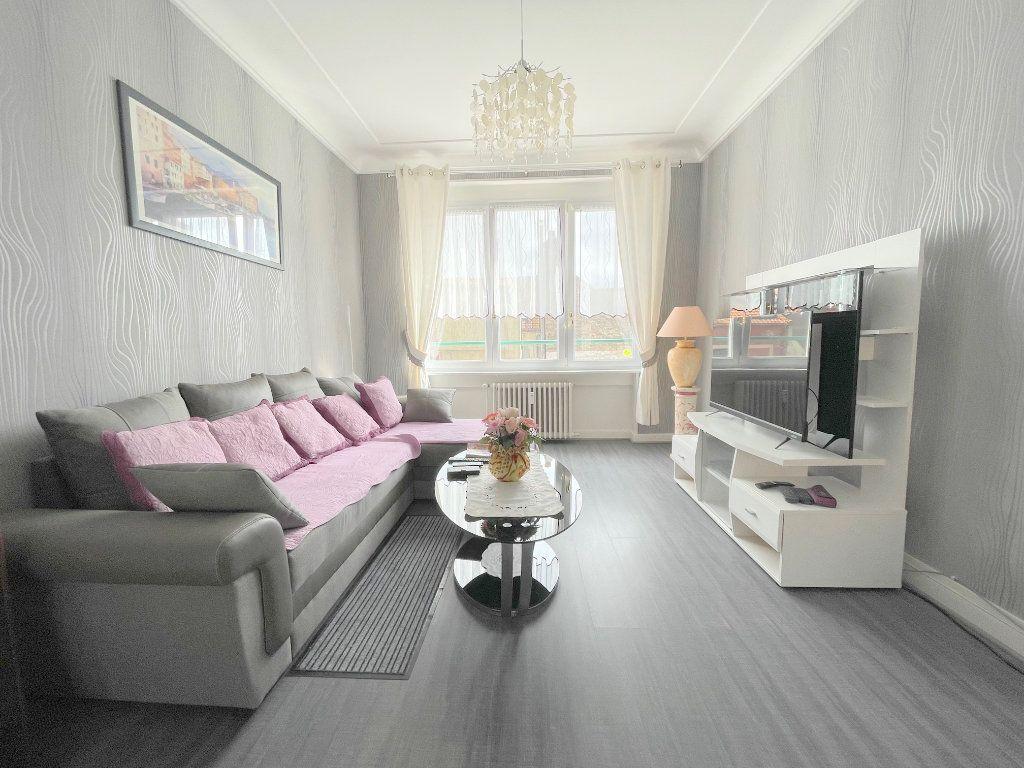 Appartement à louer 3 82m2 à Boulogne-sur-Mer vignette-1
