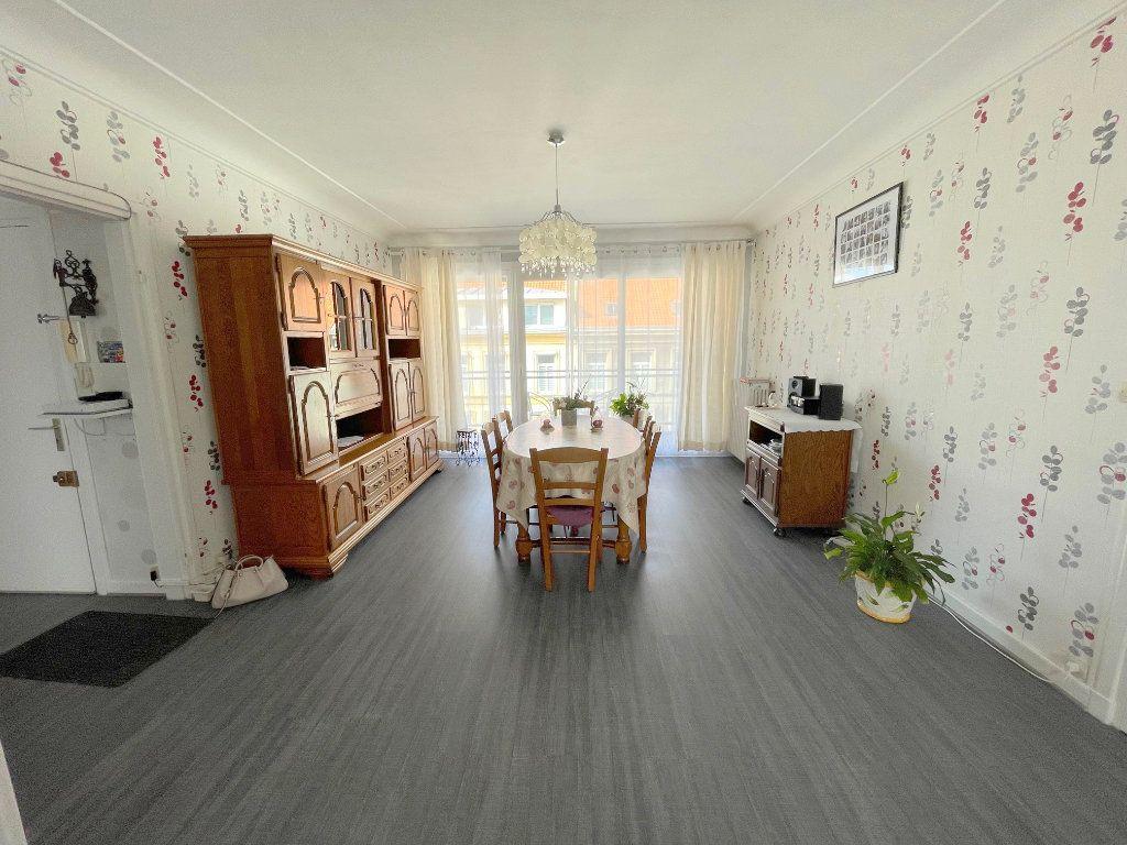 Appartement à louer 3 82m2 à Boulogne-sur-Mer vignette-2