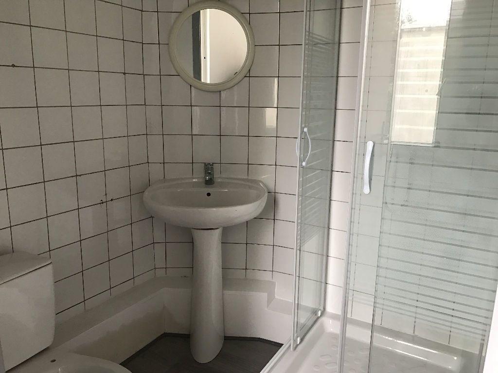 Appartement à louer 1 11m2 à Boulogne-sur-Mer vignette-3