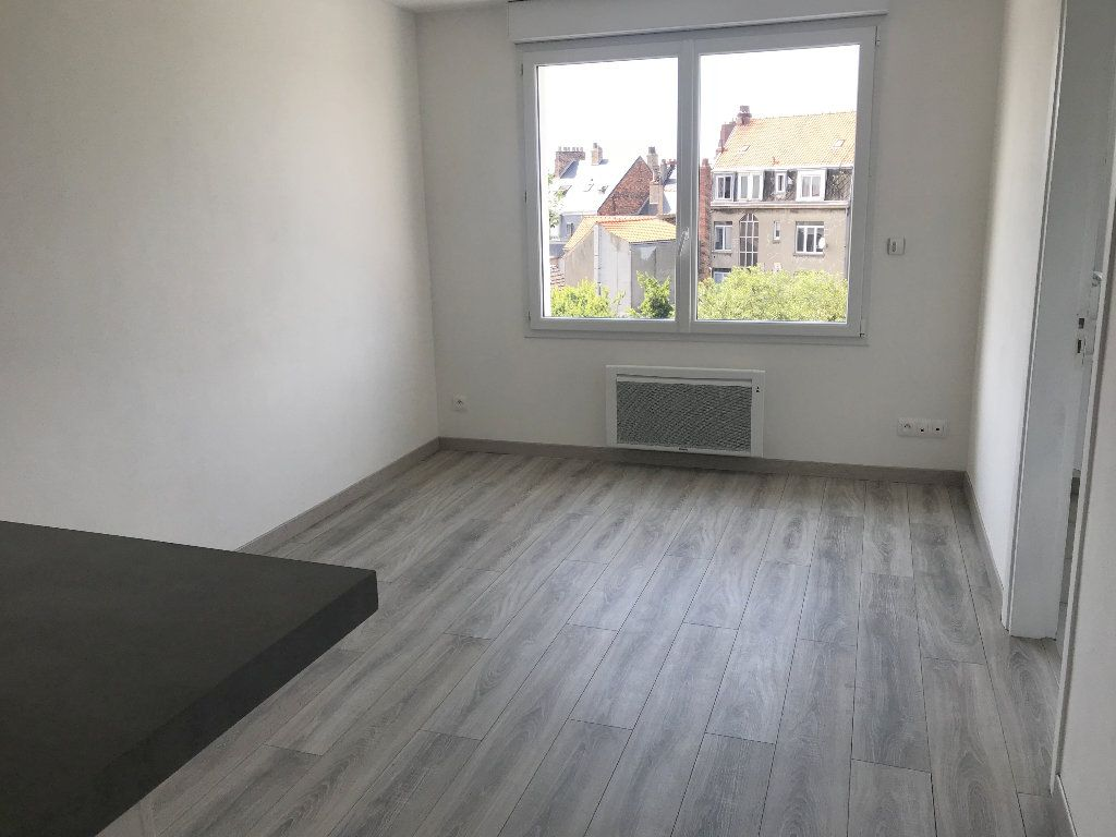 Appartement à louer 3 44m2 à Boulogne-sur-Mer vignette-2