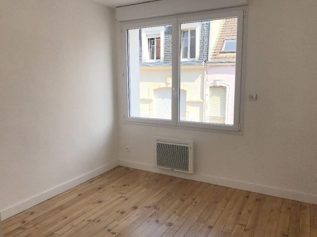 Appartement à louer 3 44m2 à Boulogne-sur-Mer vignette-3