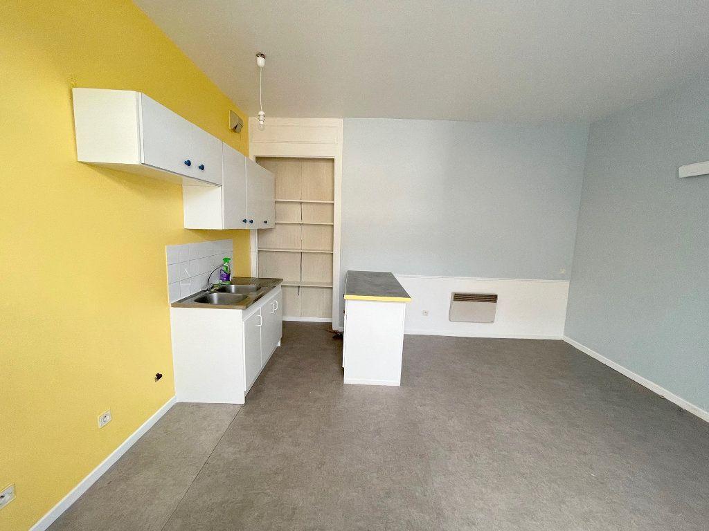 Appartement à louer 2 38m2 à Boulogne-sur-Mer vignette-2