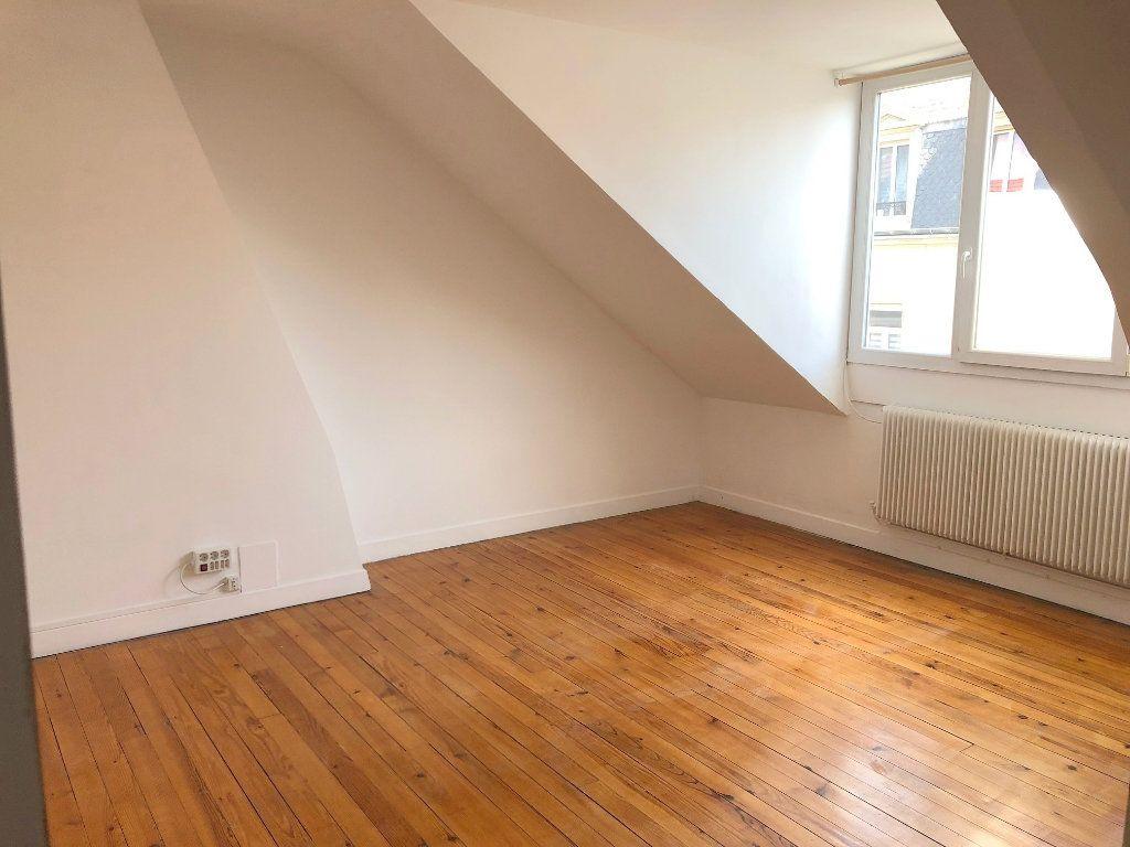 Appartement à louer 3 65m2 à Boulogne-sur-Mer vignette-1
