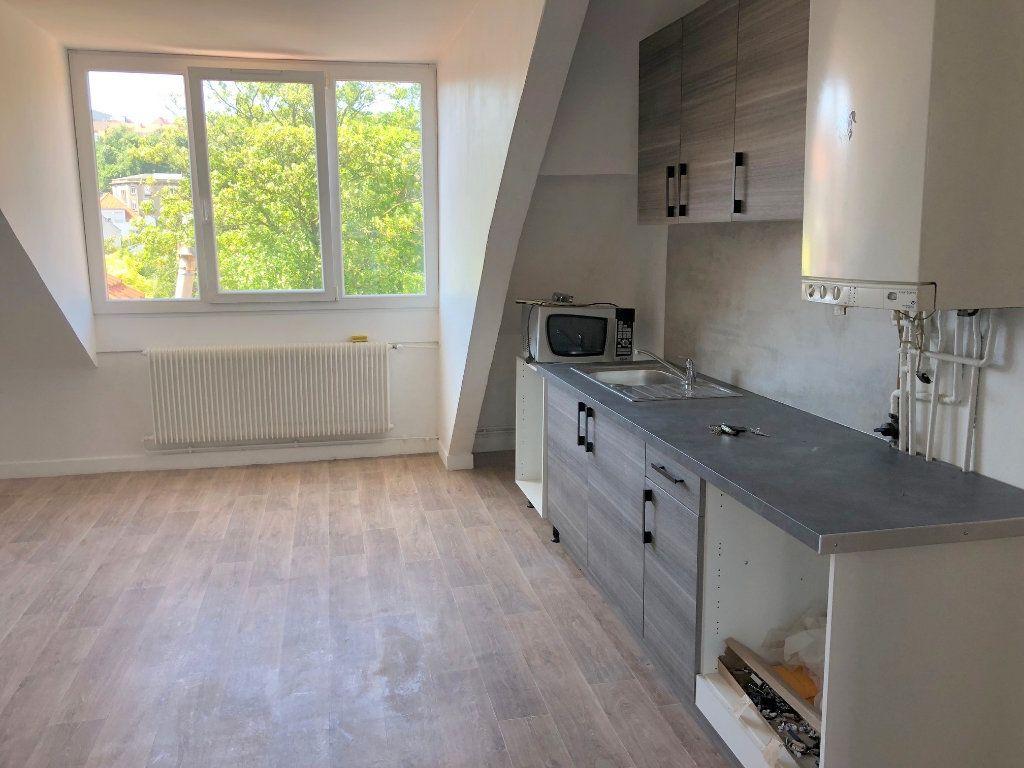 Appartement à louer 3 65m2 à Boulogne-sur-Mer vignette-2