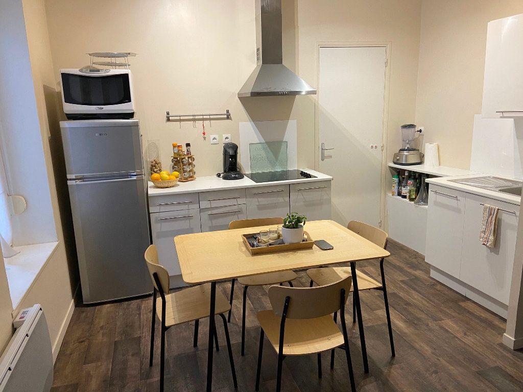Appartement à louer 2 43m2 à Boulogne-sur-Mer vignette-3
