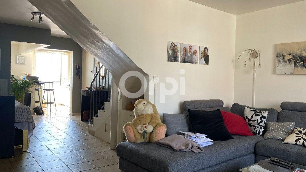 Appartement à vendre 4 101m2 à Boulogne-sur-Mer vignette-1