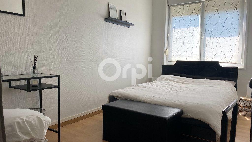 Appartement à vendre 4 101m2 à Boulogne-sur-Mer vignette-3