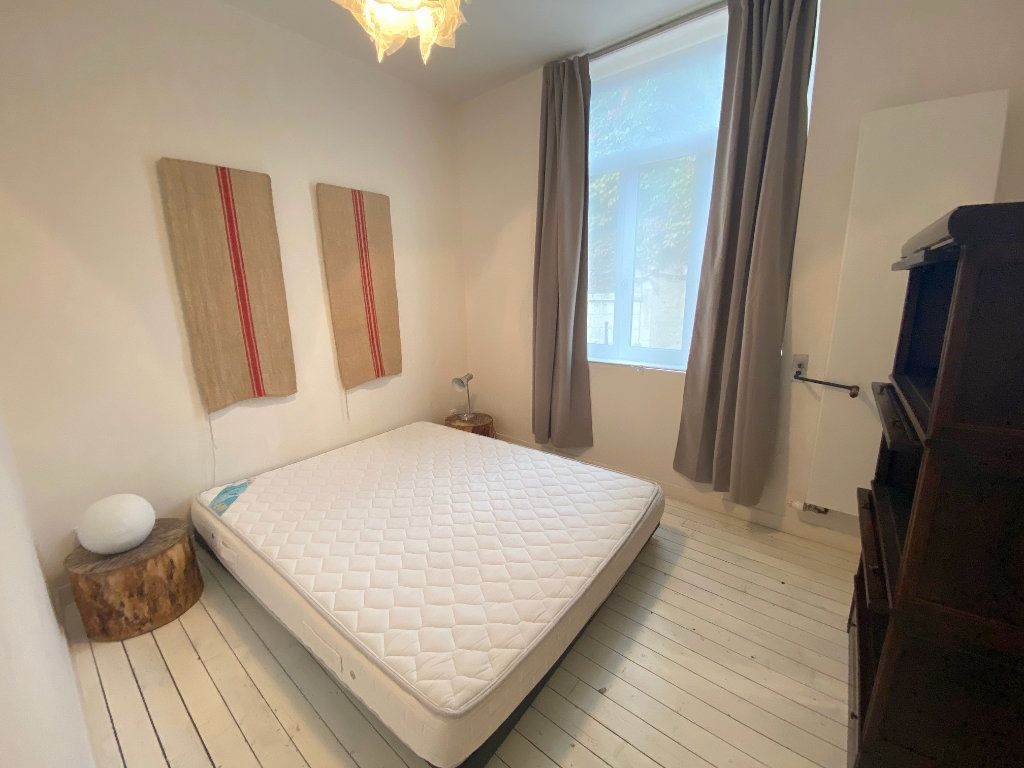 Appartement à louer 2 29m2 à Boulogne-sur-Mer vignette-3