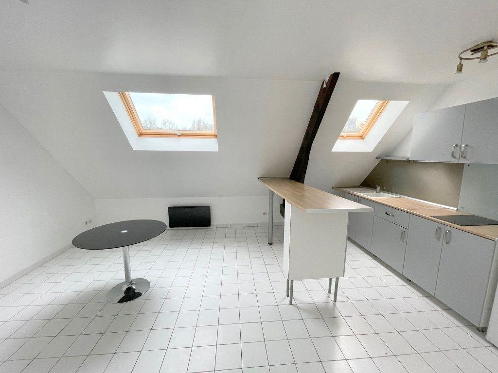Appartement à louer 3 51m2 à Boulogne-sur-Mer vignette-1