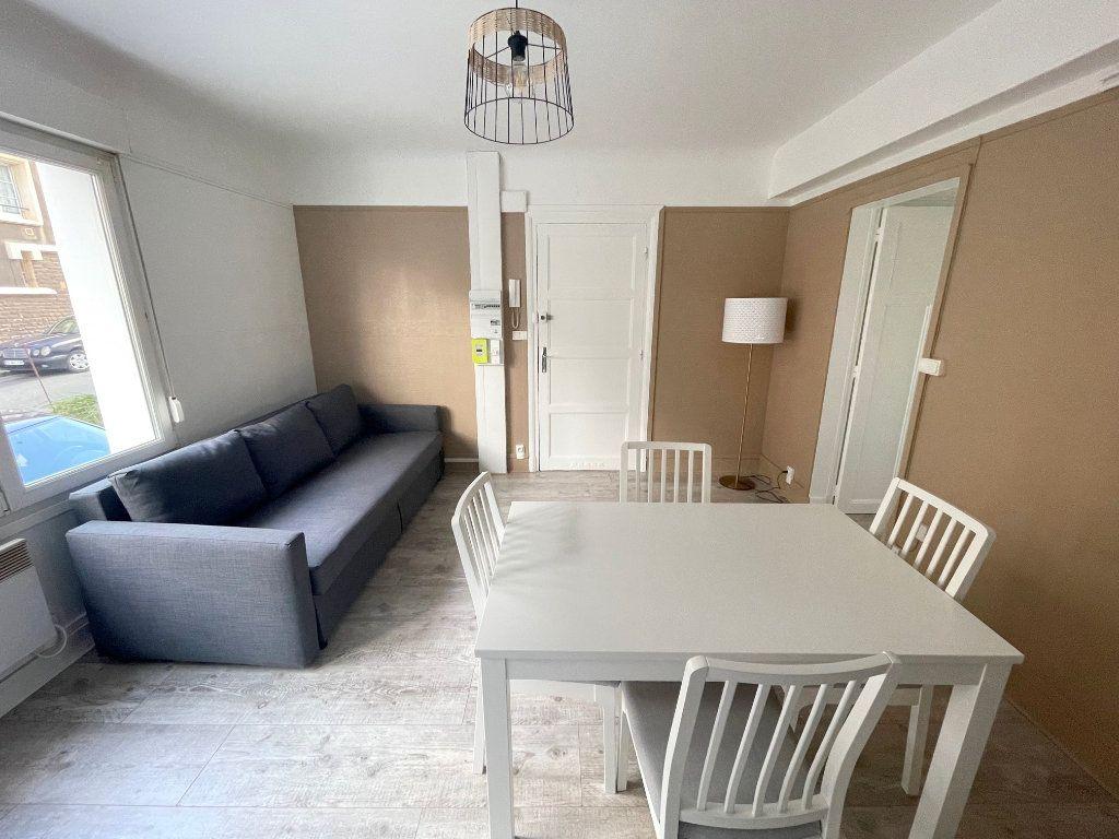 Appartement à louer 3 45m2 à Boulogne-sur-Mer vignette-1