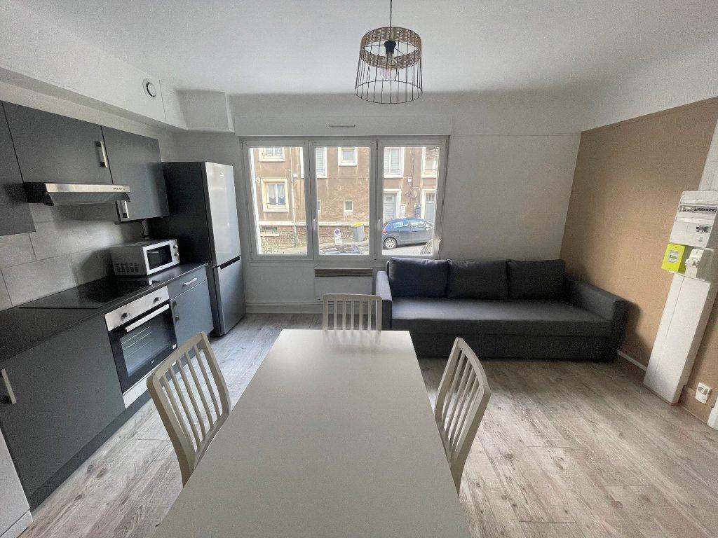 Appartement à louer 3 45m2 à Boulogne-sur-Mer vignette-2