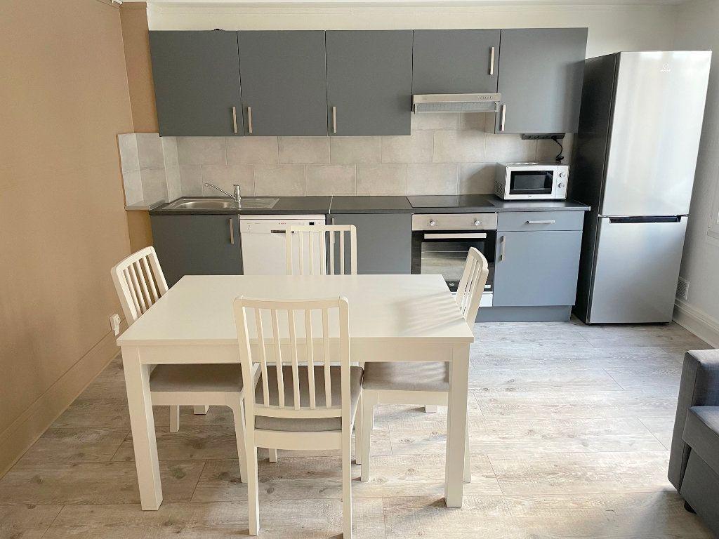Appartement à louer 3 45m2 à Boulogne-sur-Mer vignette-3