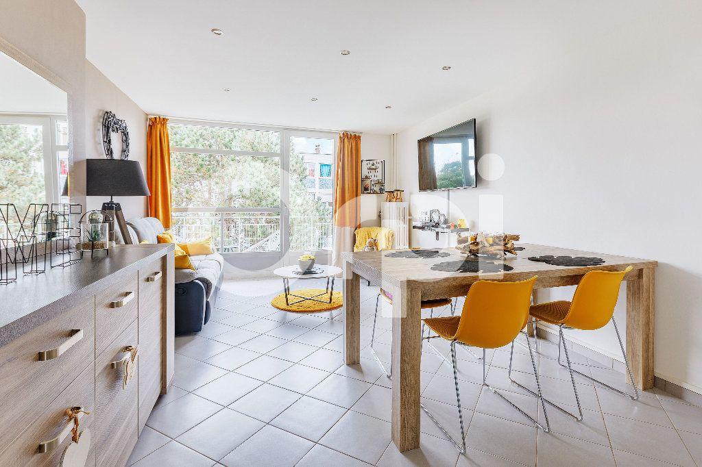 Appartement à vendre 5 68m2 à Boulogne-sur-Mer vignette-3