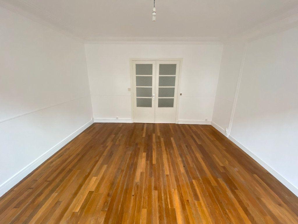 Appartement à louer 4 90m2 à Boulogne-sur-Mer vignette-2