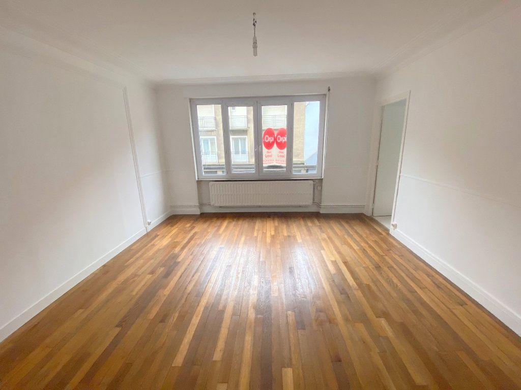 Appartement à louer 4 90m2 à Boulogne-sur-Mer vignette-1