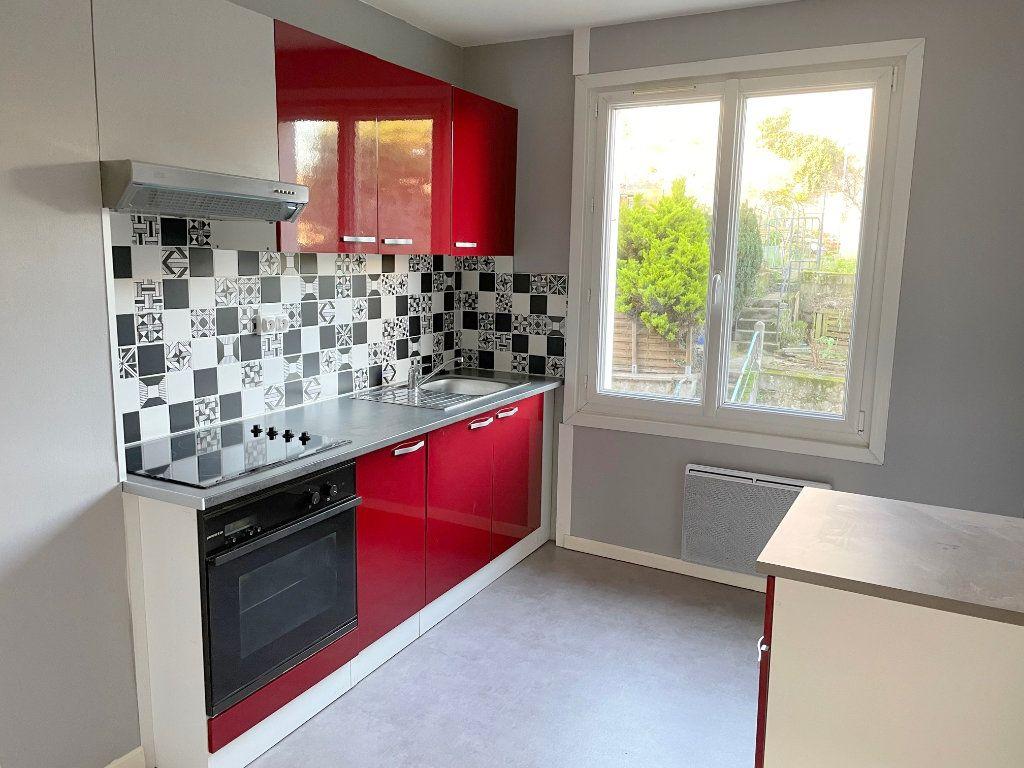 Appartement à louer 2 48m2 à Boulogne-sur-Mer vignette-3