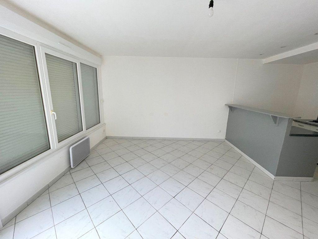 Appartement à louer 2 40m2 à Boulogne-sur-Mer vignette-2