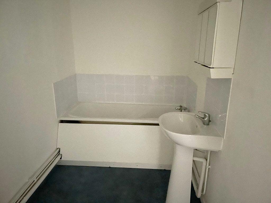 Appartement à louer 4 88m2 à Boulogne-sur-Mer vignette-7