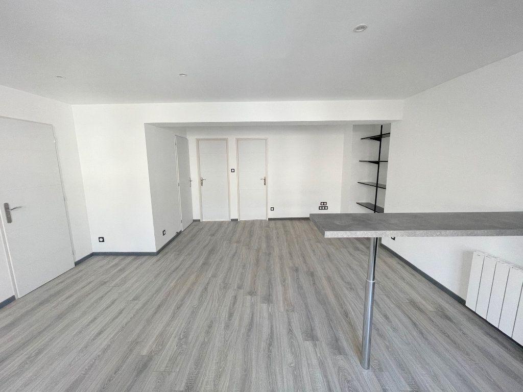 Appartement à louer 3 56m2 à Boulogne-sur-Mer vignette-2