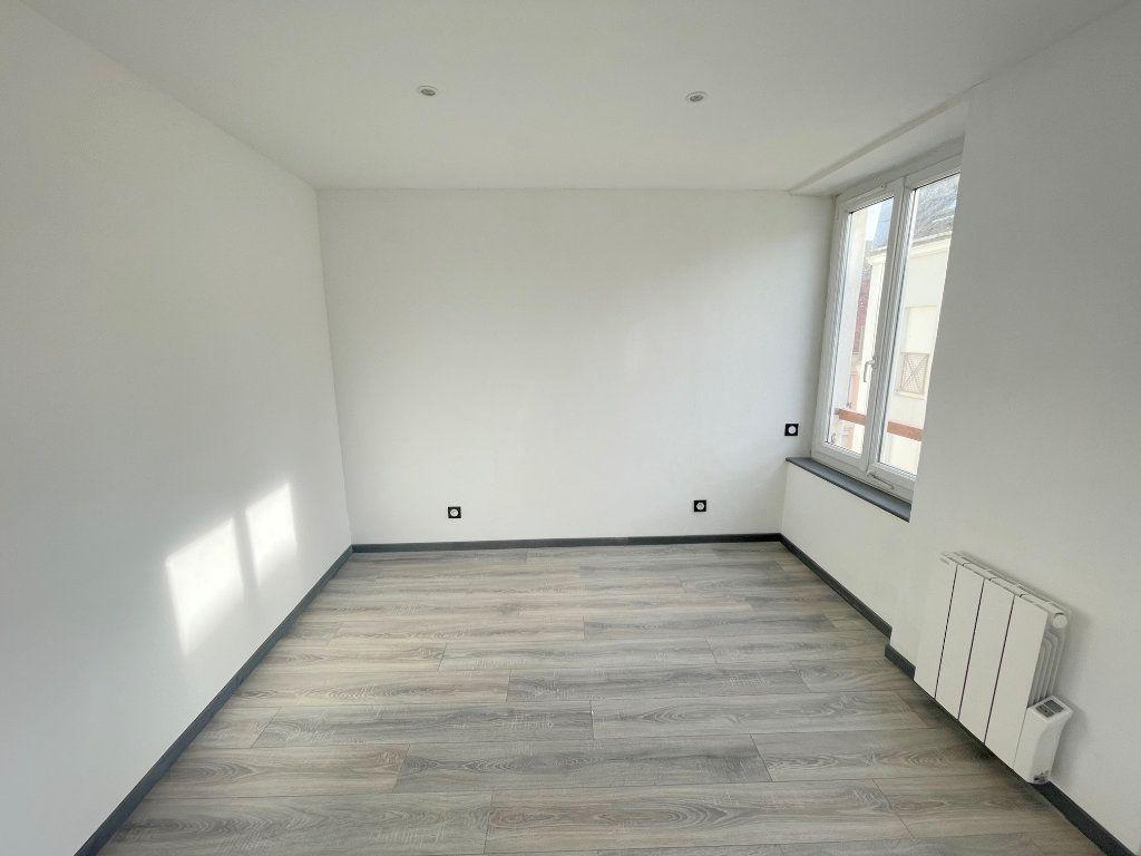 Appartement à louer 3 56m2 à Boulogne-sur-Mer vignette-5